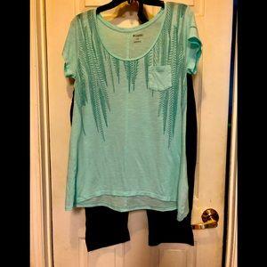 Columbia shirt and capri matching set